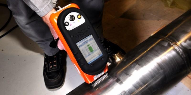 Vérification de la nuance d'une tuyauterie à l'aide d'un contrôle PMI